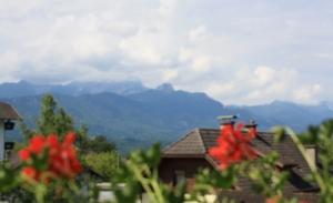 Haus Primosch - Aussicht vom Balkon auf den Mittagskogel
